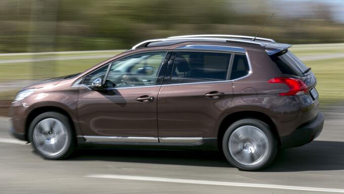 Der Peugeot 2008 von der Seite