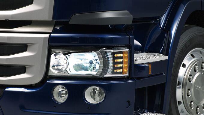 Neue Hauptscheinwerfer integrieren LED- und Tagfahrlicht.