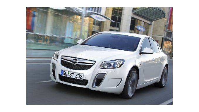 Opel Insignia OPC mit Sechsgangautomatik