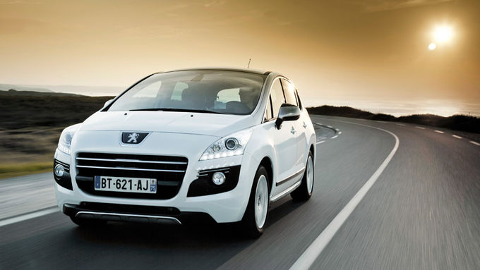 Peugeot 3008 Hybrid4, Frontansicht