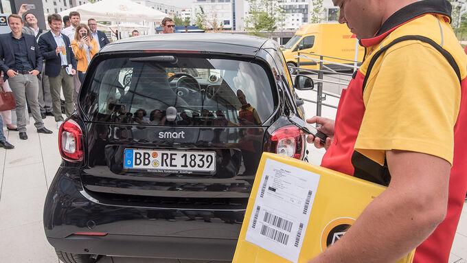 Smart DHL Paketshop im Kofferraum
