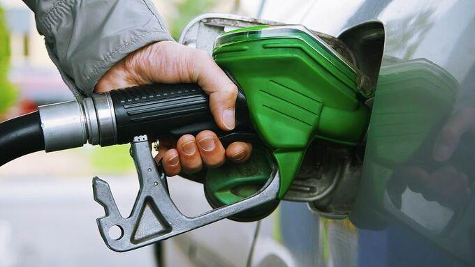 Tanken, Zapfpistole, Diesel, Preis, teuer, RAmsauer