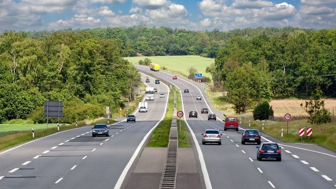 Autobahn, Verkehr