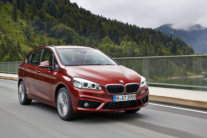 BMW 225xe Active Tourer 2014