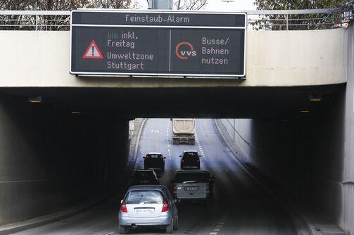 Feinstaub Abgase Innenstadt City Umsteig bus und bahn fahrverbot
