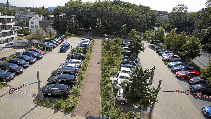 Firmenparkplatz