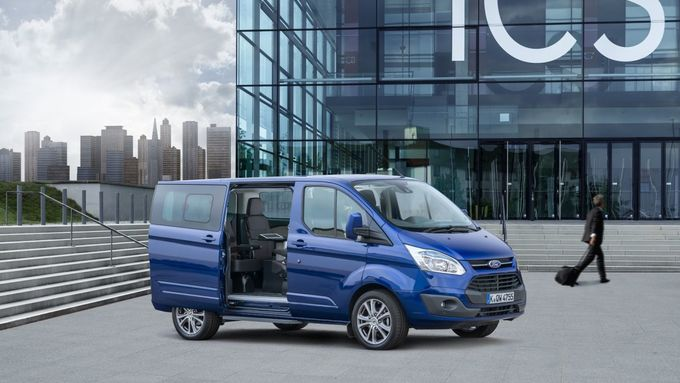 Ford Tourneo Custom Van Business Edition