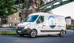 Opel mit Elektro-Blitz vom Umrüster