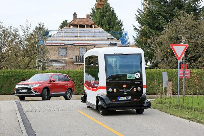 Linienverkehrsbus autonom