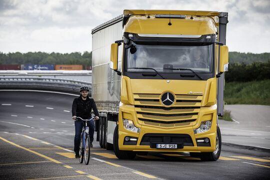 Mehr Sicherheit für Radfahrer und Fußgänger