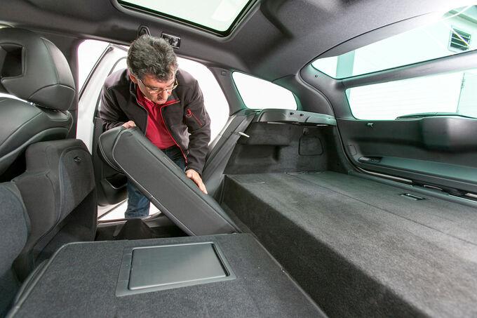 Modellcheck Citroën DS5, Fahrer legt Sitze um
