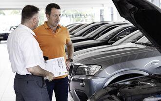 Restwert Wiederverkauf Ausstattung Handel Händler Verkauf Gespräch