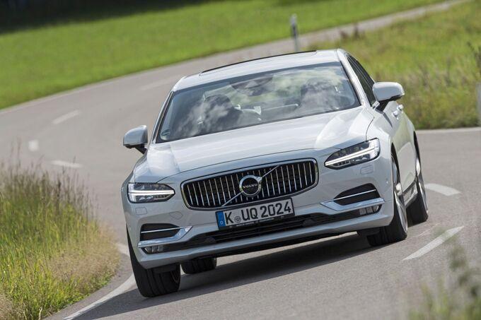 Volvo S90 T8 Plug-in, vorne