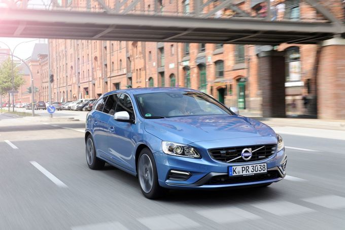 Volvo V60 D6 Twin Engine AWD 2016
