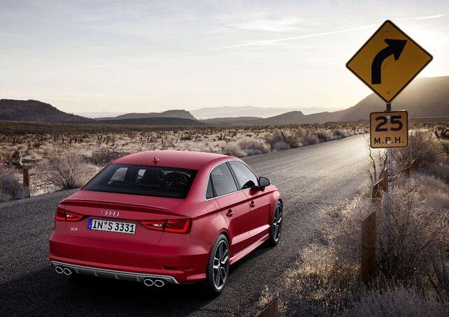 Von hinten der Audi A3